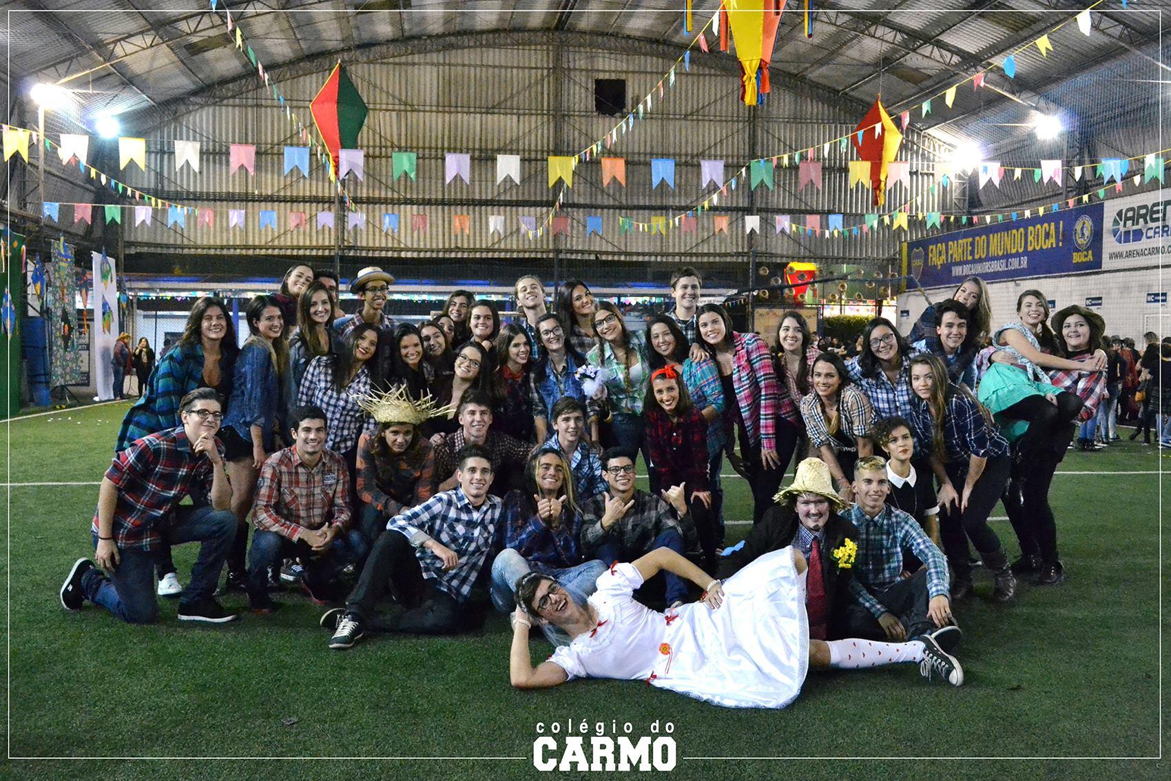 Quadrilha de formandos na Festa Junina do Colégio do Carmo!