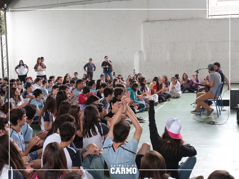 Pocket show com nossos ex-alunos Rafael e Vitor, integrantes da banda Zimbra