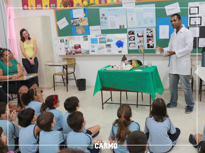 Atividade da Mostra Interativa do Carmo, evento semestral que reúne todo o colégio para apresentação de diversos trabalhos