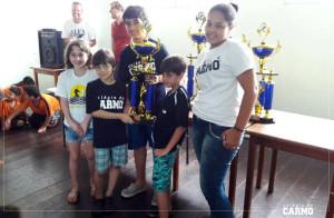 Alunos enxadristas do Colégio do Carmo que participaram do Circuito Metropolitano de Xadrez Escolar.