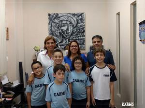 Alunos premiados na competição Canguru de Matemática juntamente com os professores Eliane Pereira, Avelino Moura e a diretora Renata Gaia.