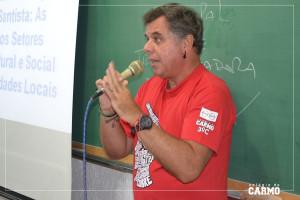 Enio dos Anjos, professor de Geografia falando a respeito do tema do ano